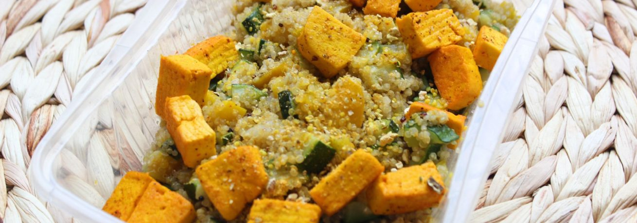 Quinoa, tofu e verdure
